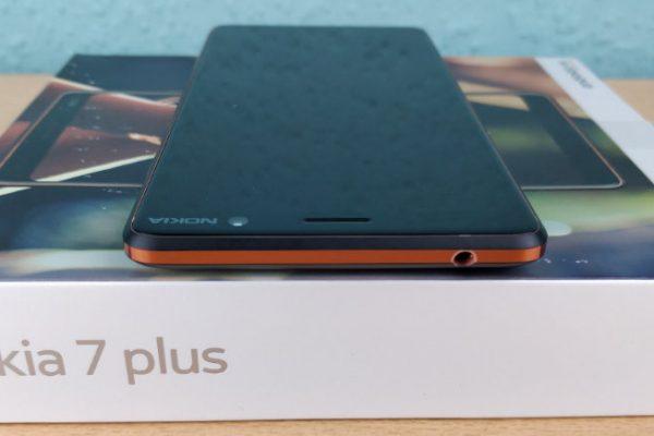 Nokia 7 Plus 6